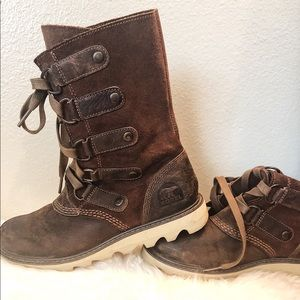 Sorel brown leather and suede boots Not insulated